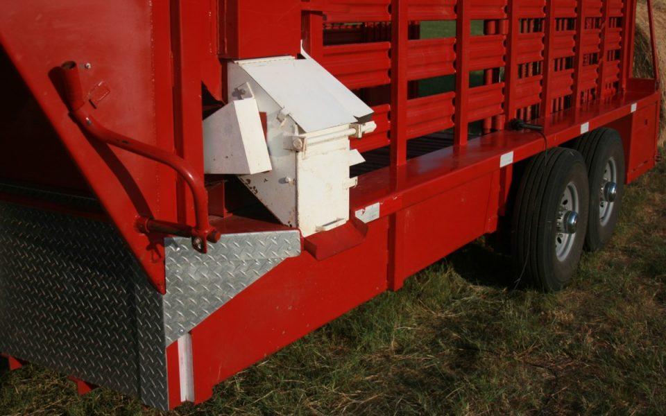 Feeder (Patented T & S trip hopper)